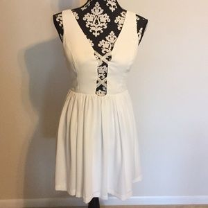 Gianni Bini ivory cocktail dress size small